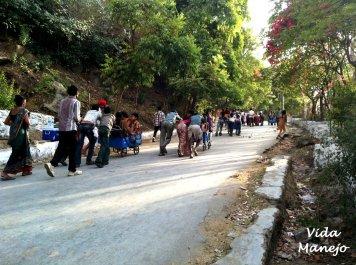 Throngs of people