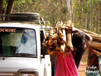 Conducting trade on roadside