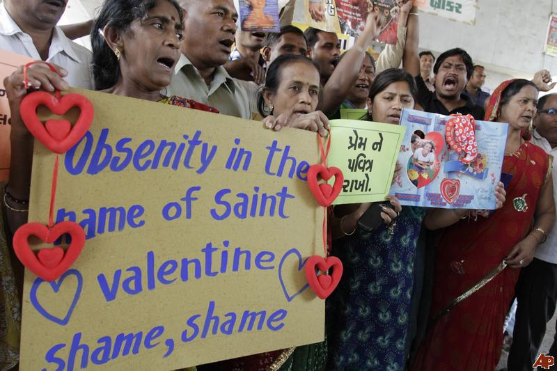 india-valentine-day-protest-2012-2-14-8-30-2